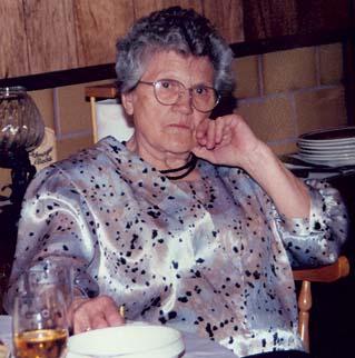 Dicke Oma in der Kueche abgefickt